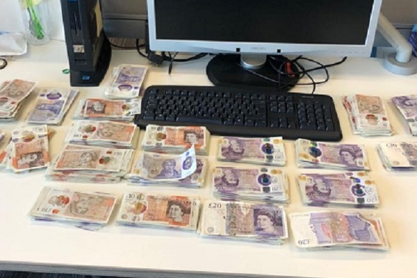 Police raid in Mangotsfield finds suspected cocaine and 'large quantity of cash'